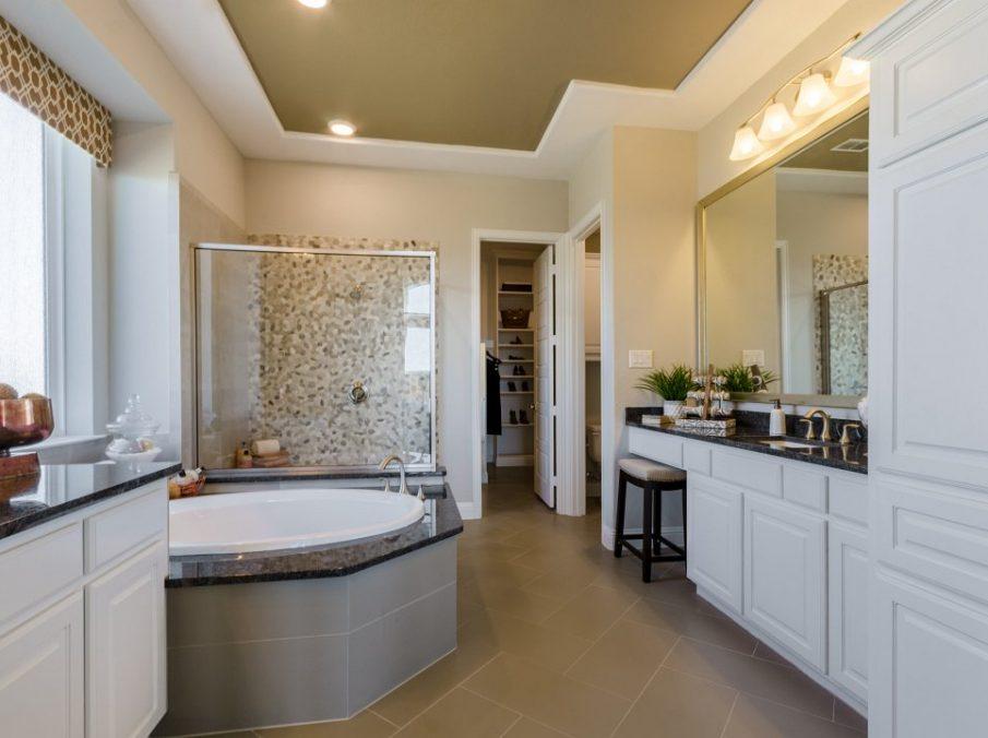450 Maddison Master Bath