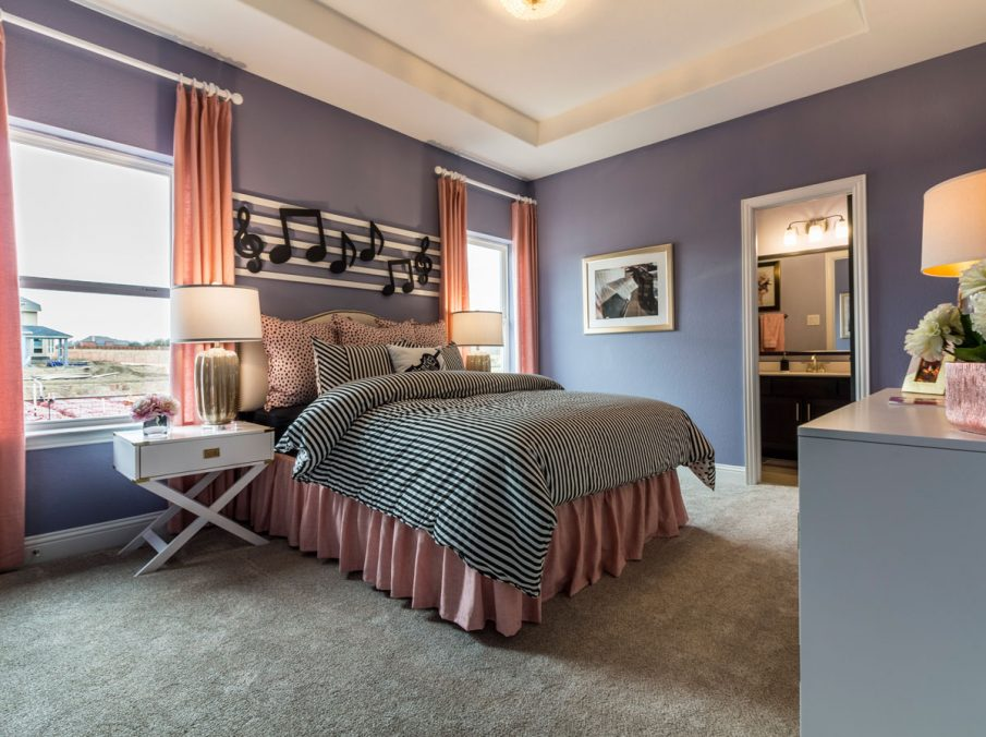 Landon Homes 675 Newbridge Decorated Bedroom with Carpet Flooring